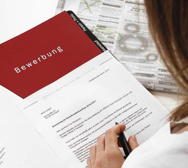 Das Bewerbungsschreiben ist die erste Visitenkarte. FOTO: EHRENBERG-BILDER/FOTOLIA.COM