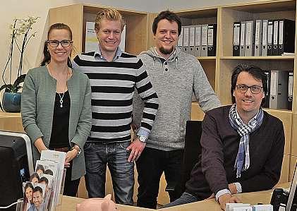Ein Teil des Hörakustik Oberdieck-Teams: Melanie Gebel, Sebastian Borchers, Frederich Srugies und Lutz Oberdieck (v.li.).FOTO: FSCH
